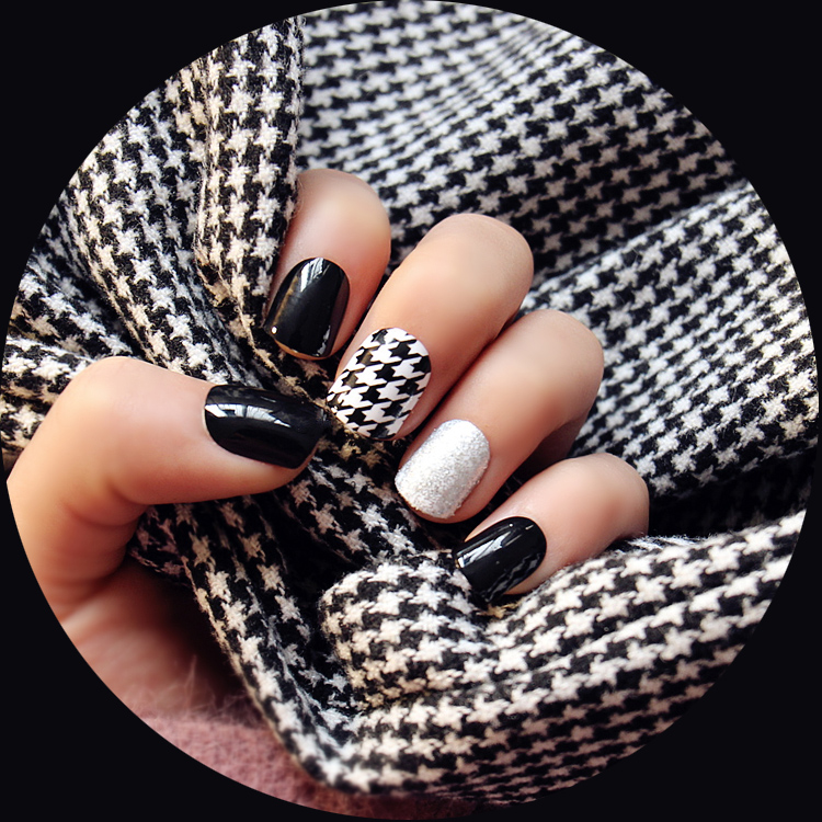 New 24 pieces Metal Classic Black Frosted French 3D Fashion Style Plastic Art short Fake false Sticker Nail Tips With Glue Gel