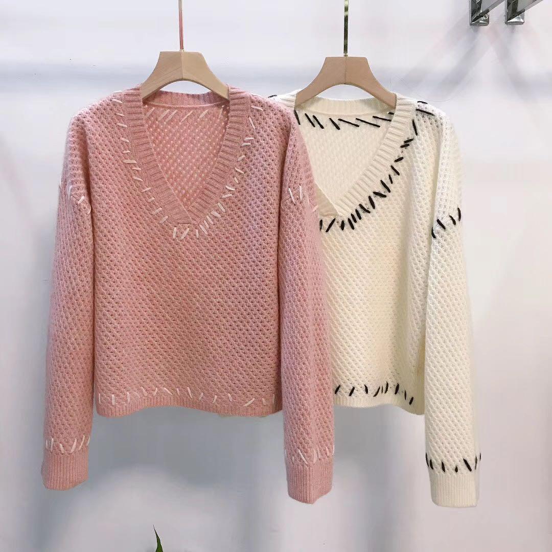 Queen蜕变2019羊绒冬季新款V领长袖撞少女a羊绒色线心年秋针织衫
