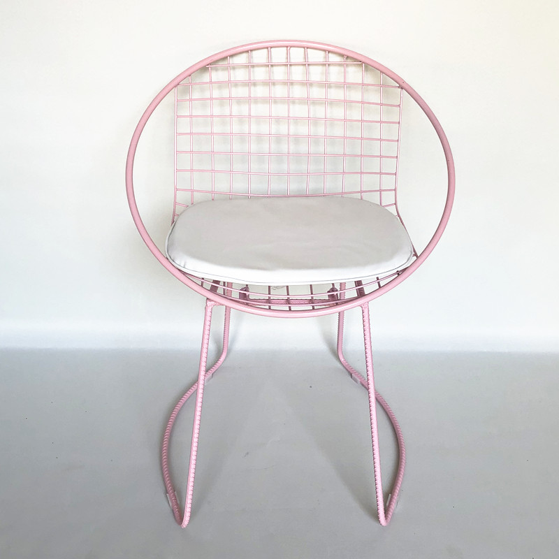 Chair pink with cushion