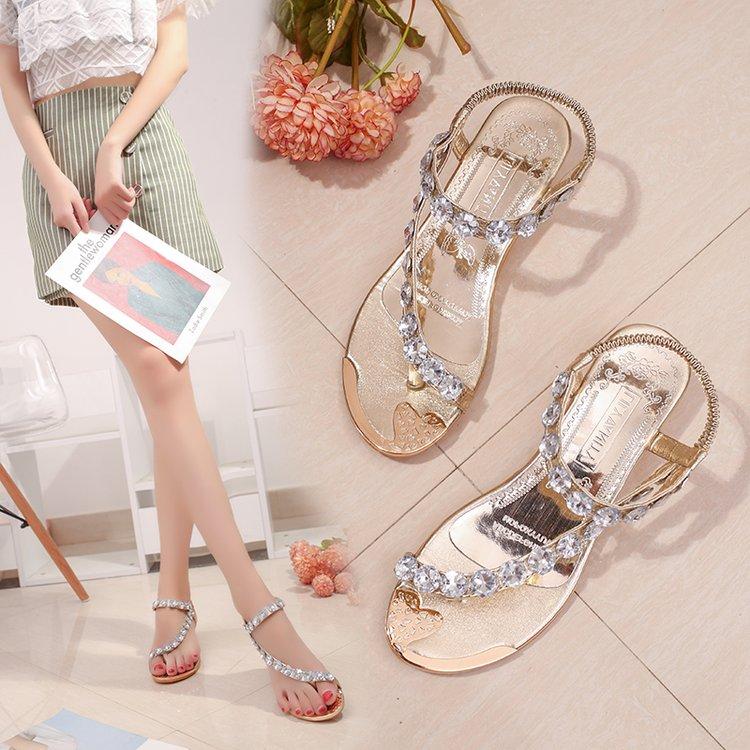 新款韩版学生凉鞋女夏平底水钻夹趾沙滩鞋波西米亚平跟大码女凉鞋