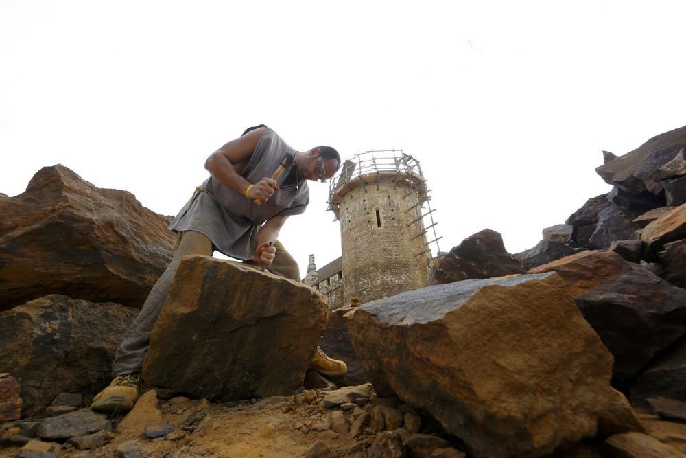 纯手工古堡千人修建30年仍未完