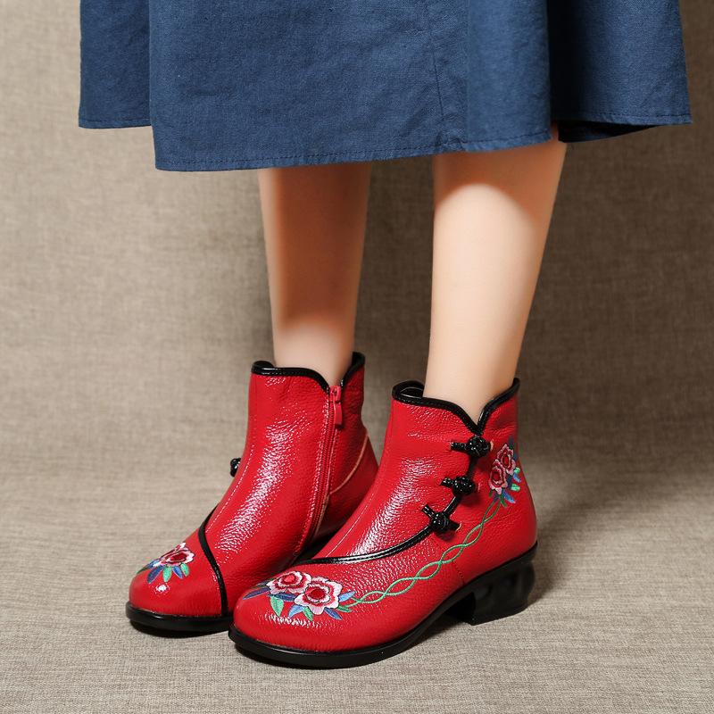 妈妈新款拉链风高跟女靴复古牛皮真皮粗民族软底侧刺绣秋冬鞋大码
