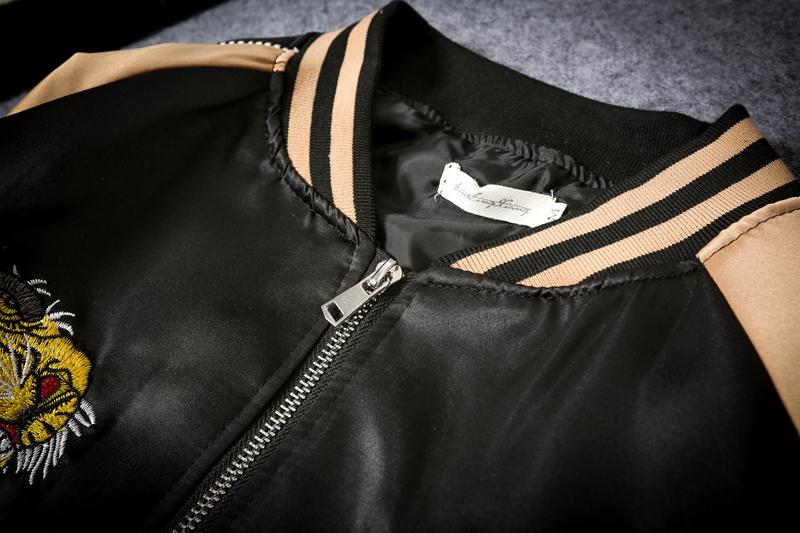 Cặp vợ chồng nhật bản Yokosuka mùa thu áo khoác nam giới và phụ nữ thêu tiger head satin đồng phục bóng chày thanh niên mùa xuân và mùa thu áo khoác