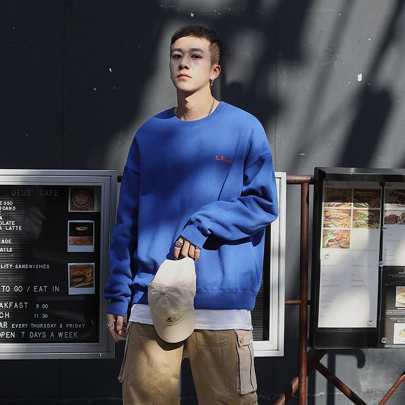 还不知道新年流行色?穿经典蓝就对了!