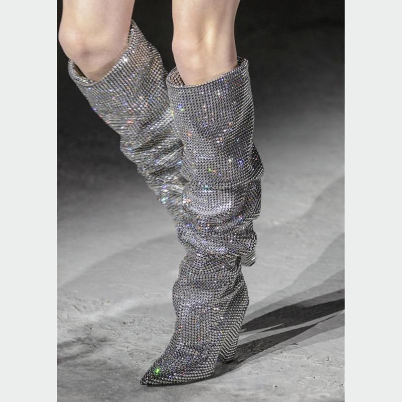 2017冬新款街拍闪闪镶钻尖头锥跟长靴模特走秀鞋大码女靴子高跟鞋