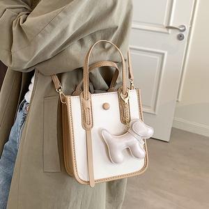 今年流行小包包女包2021新款潮夏季百搭单肩斜挎包小众手提小方包