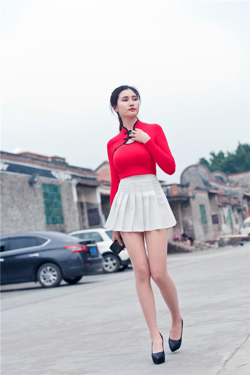 红衣短裙高跟美女 【套图+视频】 36123612 帖子ID:13