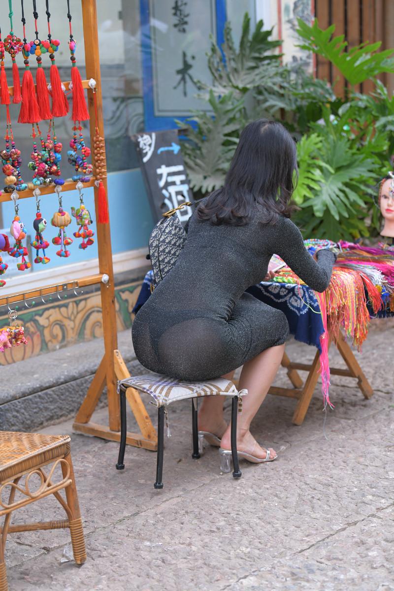 红石大理旅拍作品第五篇黑色裹身长裙美女【视频+图片】 76737673  帖子ID:761