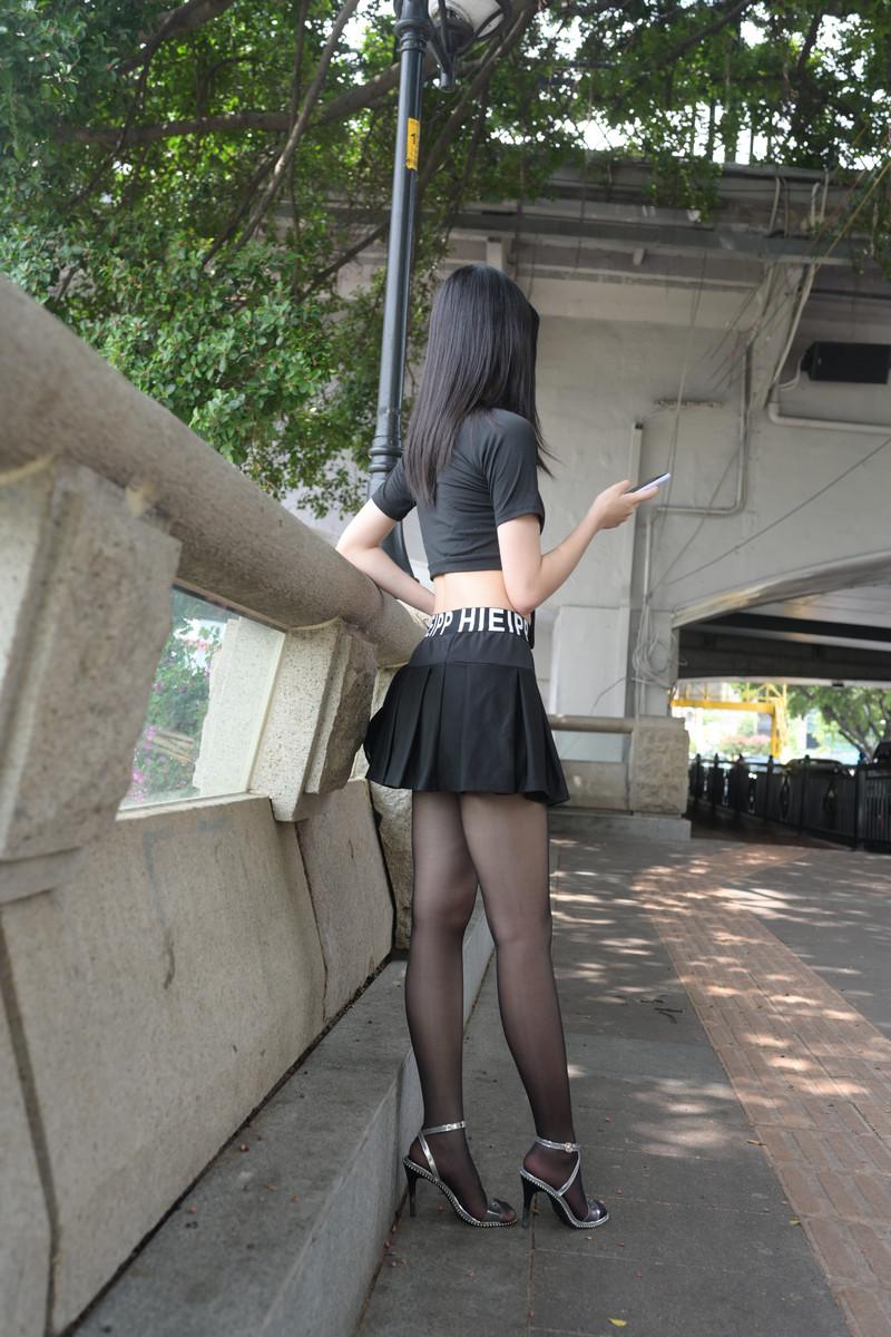 程生街拍短裙亮丝的美女【套图+视频】 74717471  帖子ID:833