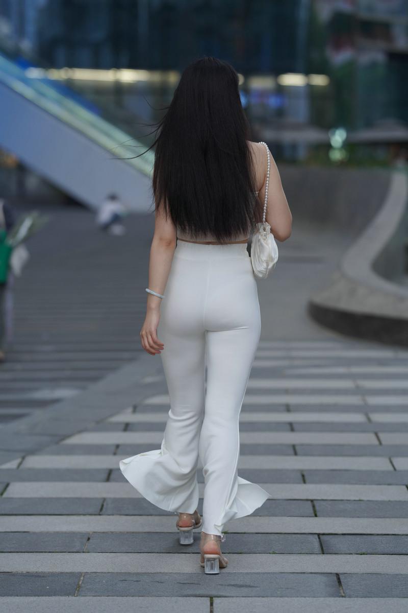 加菲mao街拍作品白裤女子【视频+图片】 18671867  帖子ID:783