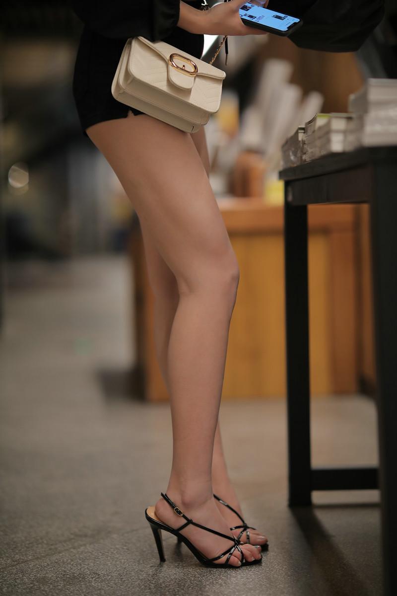 凯恩魔BUY大赛作品黑色热裤美腿小姐姐【视频+套图】 51315131 魔镜原创摄影,摄影大赛,凯恩公爵作品,魔镜街拍,BUY大赛, 帖子ID:680