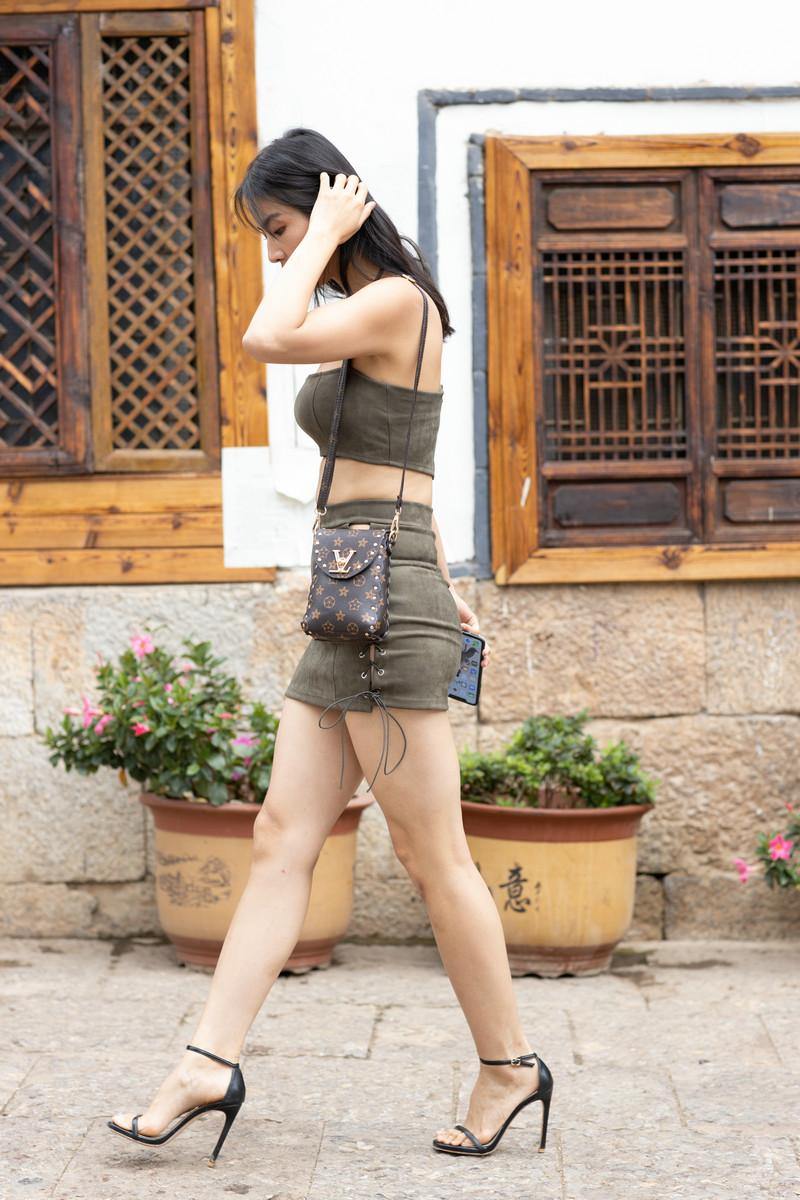 范家辉大理旅拍作品第四篇绿色短裙美女【视频+图片】 35763576  帖子ID:765