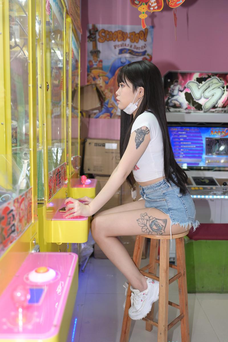 慕容笙模拍作品热裤小妹【套图+视频】 142142  帖子ID:810