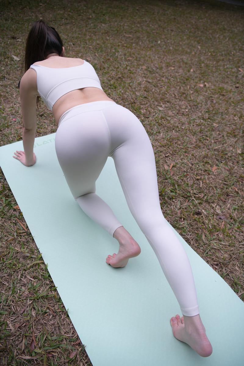 魂魂摄影作品白色瑜伽裤美女【套图+视频】