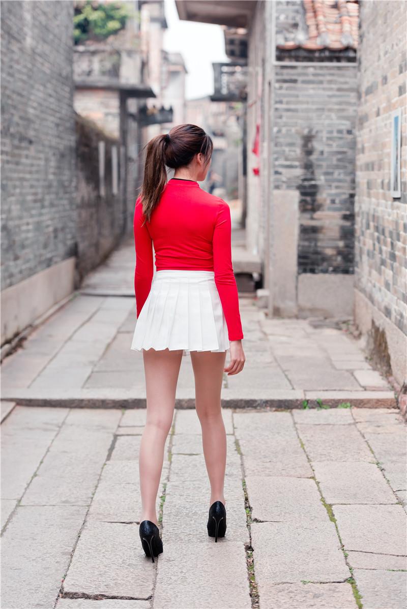 红衣短裙高跟美女 【套图+视频】 91789178 帖子ID:13
