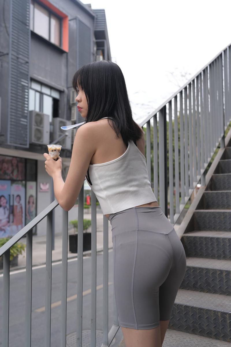 慕容笙模拍作品灰色紧身瑜伽裤MM【视频+图片】 69736973 魔镜原创摄影,街拍第一站,魔镜街拍,街拍美臀,街拍紧身裤, 帖子ID:741