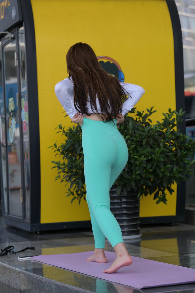 宅宅街拍作品绿色瑜伽裤女孩【视频+图片】 81218121 帖子ID:785
