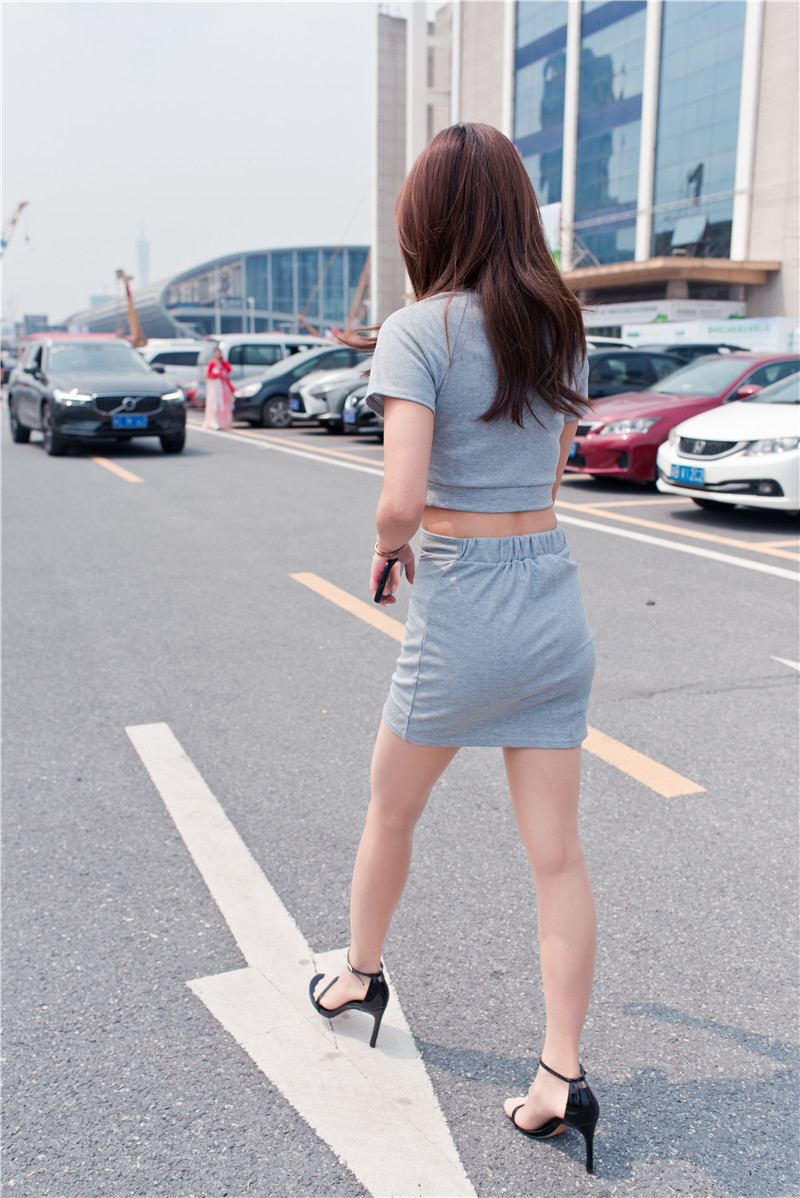 灰色短裙 【套图+视频】 88898889 帖子ID:47