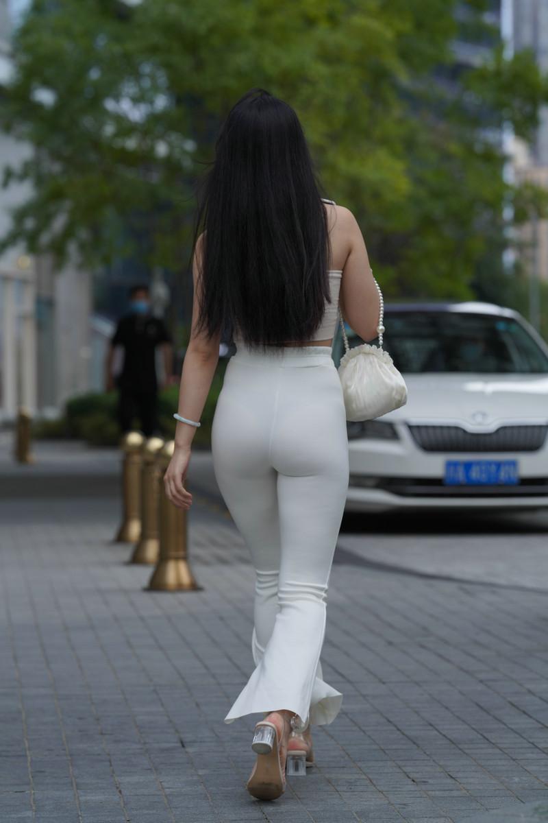加菲mao街拍作品白裤女子【视频+图片】 27982798  帖子ID:783