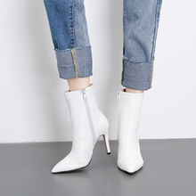 New genuine leather pointed boots in autumn and winter of 2018 in Europe and America, fashionable, sexy, slim-heeled women's shoes, high-heeled women's boots, white bare boots