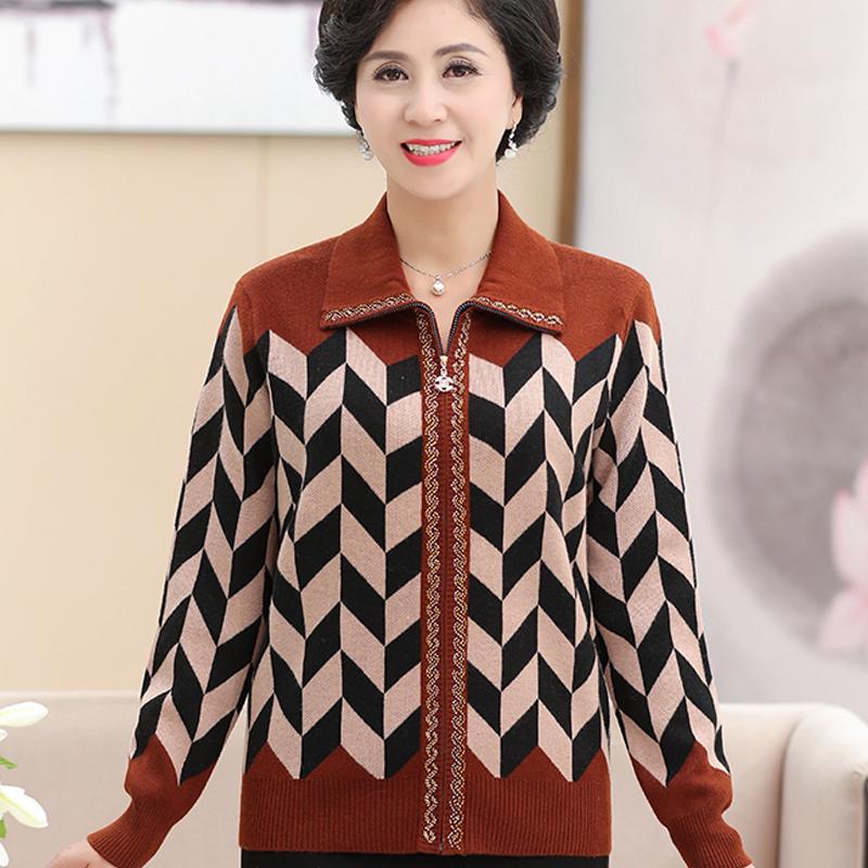 新款妈妈装春秋季外套短款夹克宽松加肥加大码中老年人女针织开衫