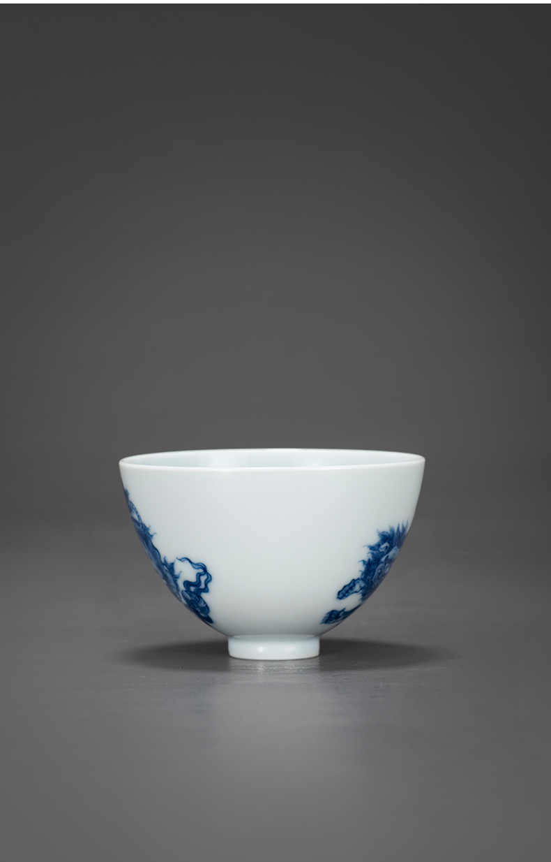 Blue and white lion big heart cup of jingdezhen porcelain on kung fu tea pure manual hand - made sample tea cup kung fu tea cups