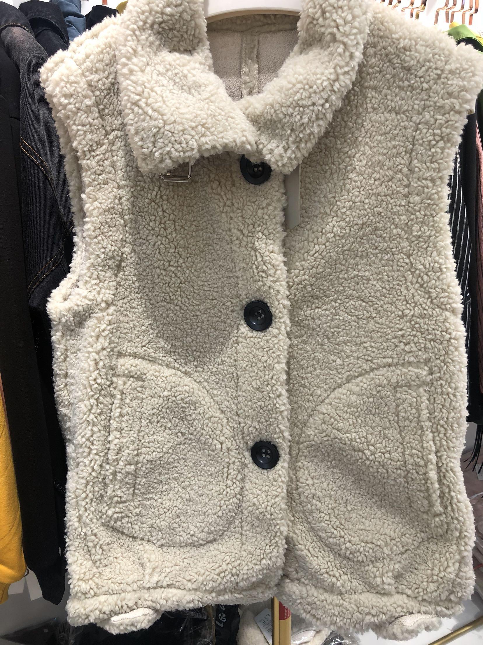 锦华秀逸19D72一体2019冬新款韩版外套羊羔毛皮毛女时尚女装马夹