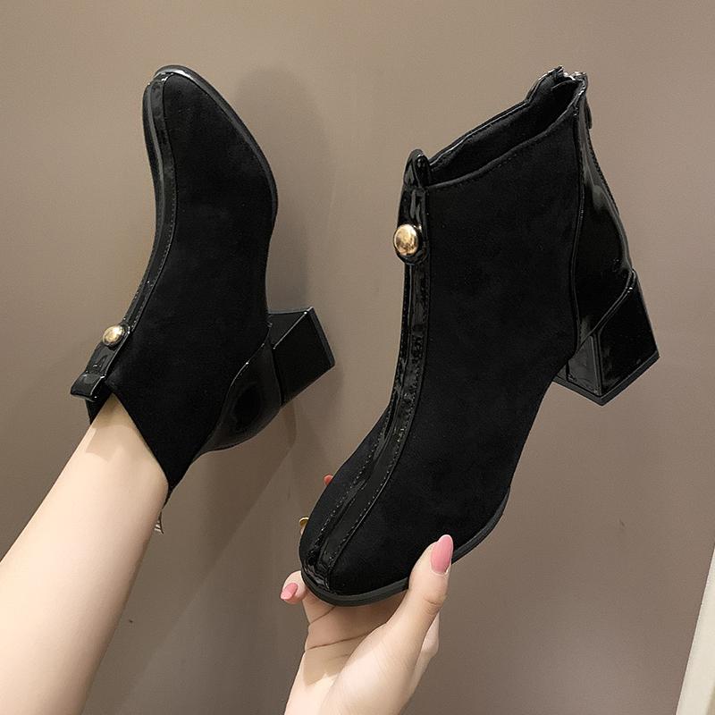 气质女人首选粗跟短靴,好洋气的哩