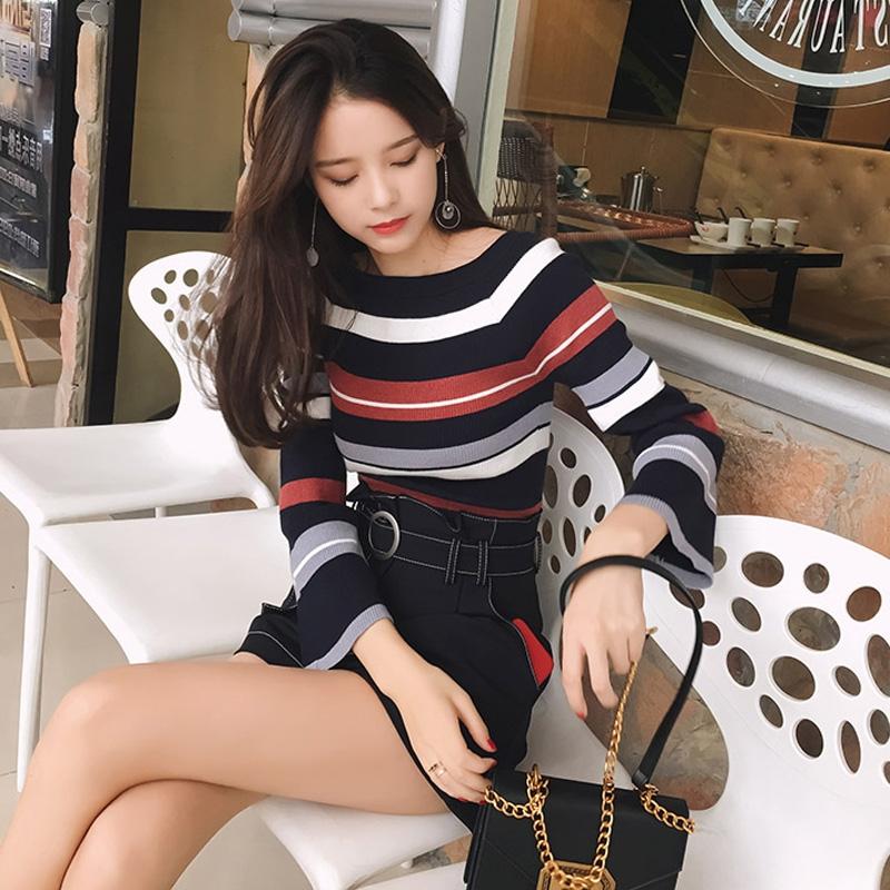 时尚条纹喇叭袖针织毛衣