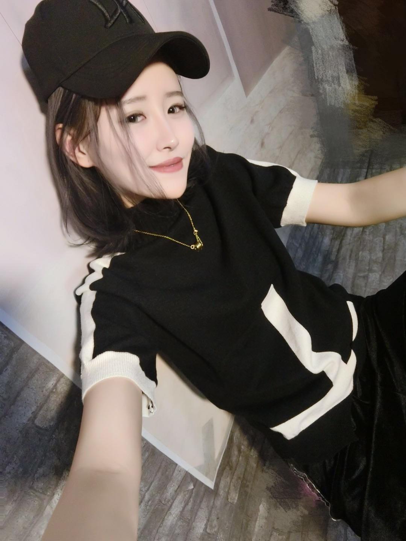 2018冬季韩版宽松显瘦拼色上衣两面穿套头半高领毛衣针织衫短袖女