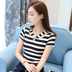 V-neck striped T-shirt women's short-sleeved summer new Korean style slim black and white bottoming shirt sexy top 2020 summer