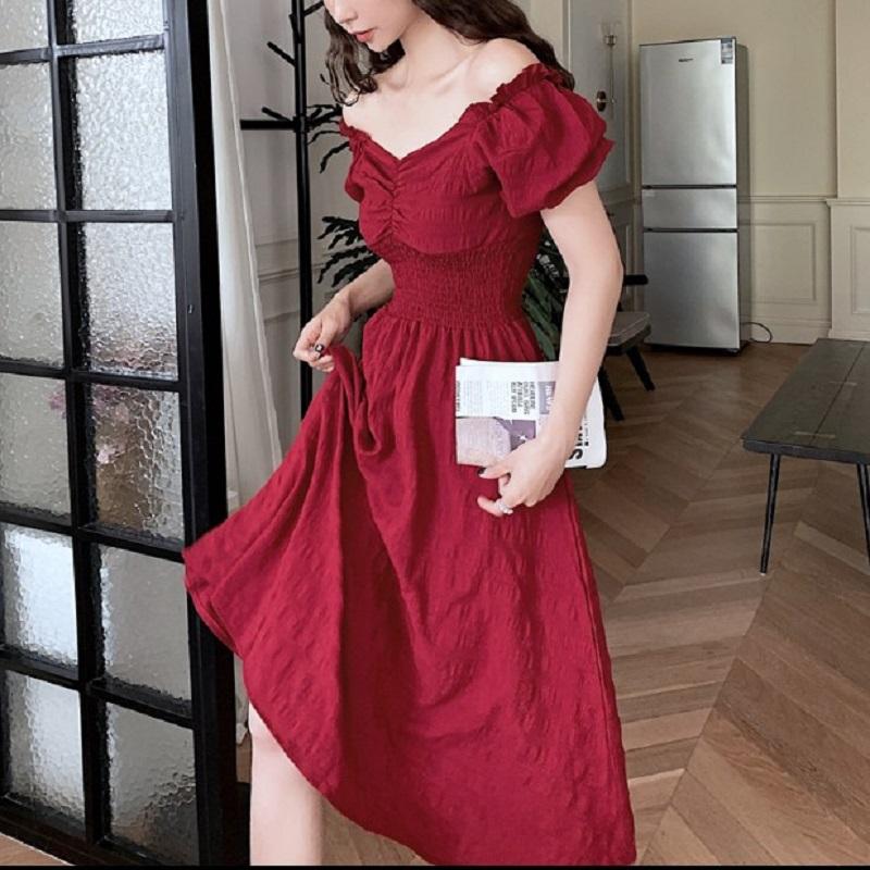 新款超仙小黑裙度假沙滩裙女赫本风V领裙子泡泡袖法式复古公主裙