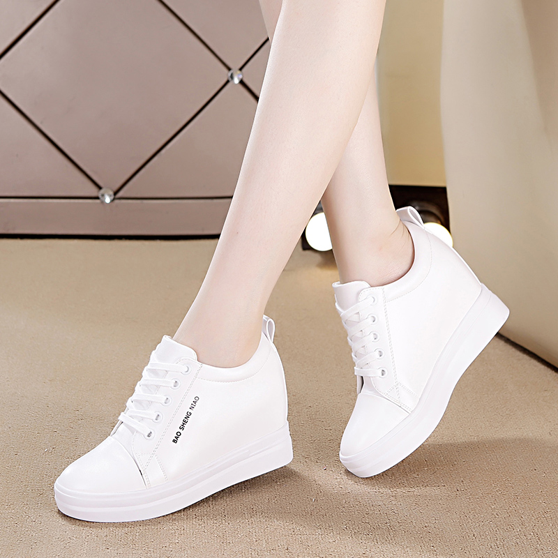 Small white shoes female 2019 spring section increased sharp white shoes increased 33 women's shoes 34 yards was thin small size wild breathable