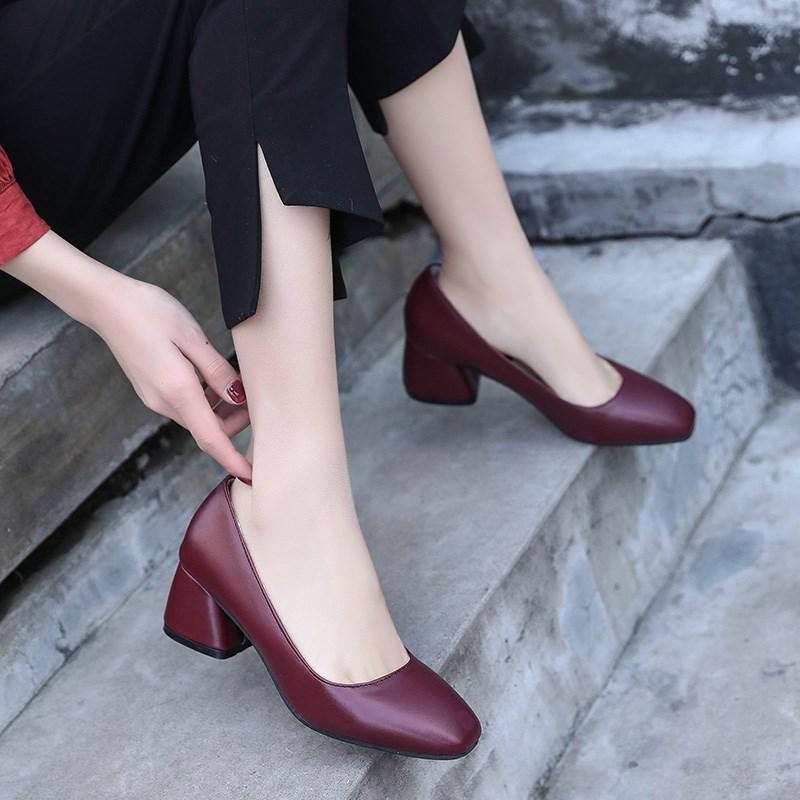 奶奶鞋粗跟高跟鞋酒红色浅口黑色工作女鞋复古鞋方头小皮鞋