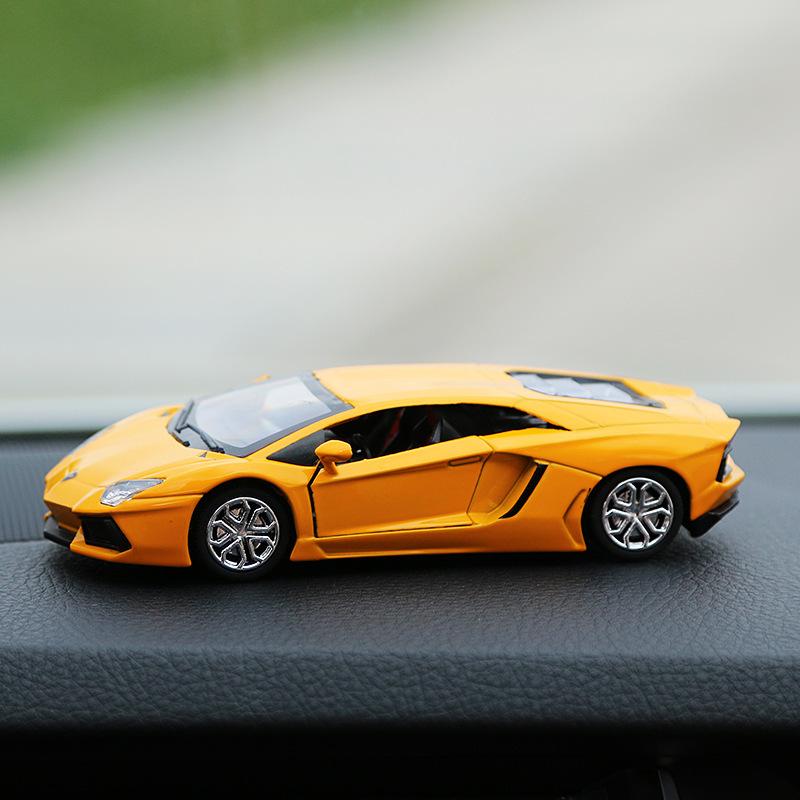 兰博基尼小汽车模型香水座盒v模型跑车车模创意摆件车载装饰时尚
