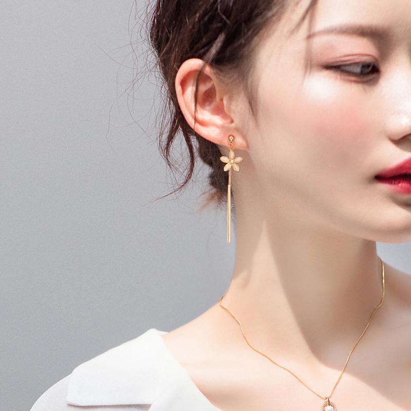 2019新款潮耳环女韩国圆脸显瘦耳饰不对称气质网红长款樱花朵耳坠