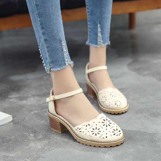 2018 summer sandals new women's shoes Korean fashion hollow pattern round head toe with a simple thick with non-slip