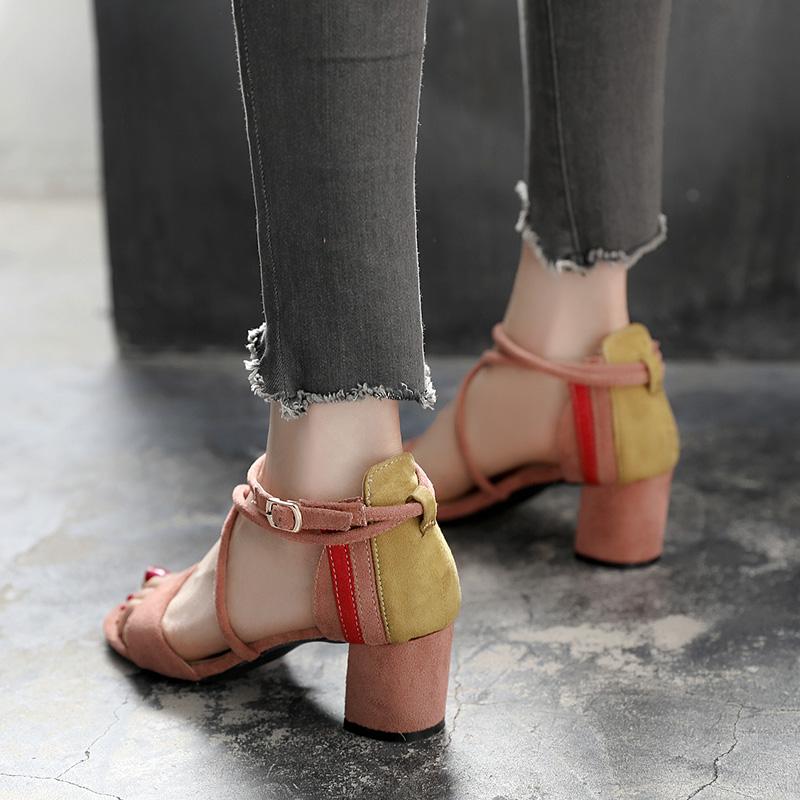 夏季粗跟凉鞋女2018新款小清新高跟鞋5cm百搭中跟一字扣单鞋女黑