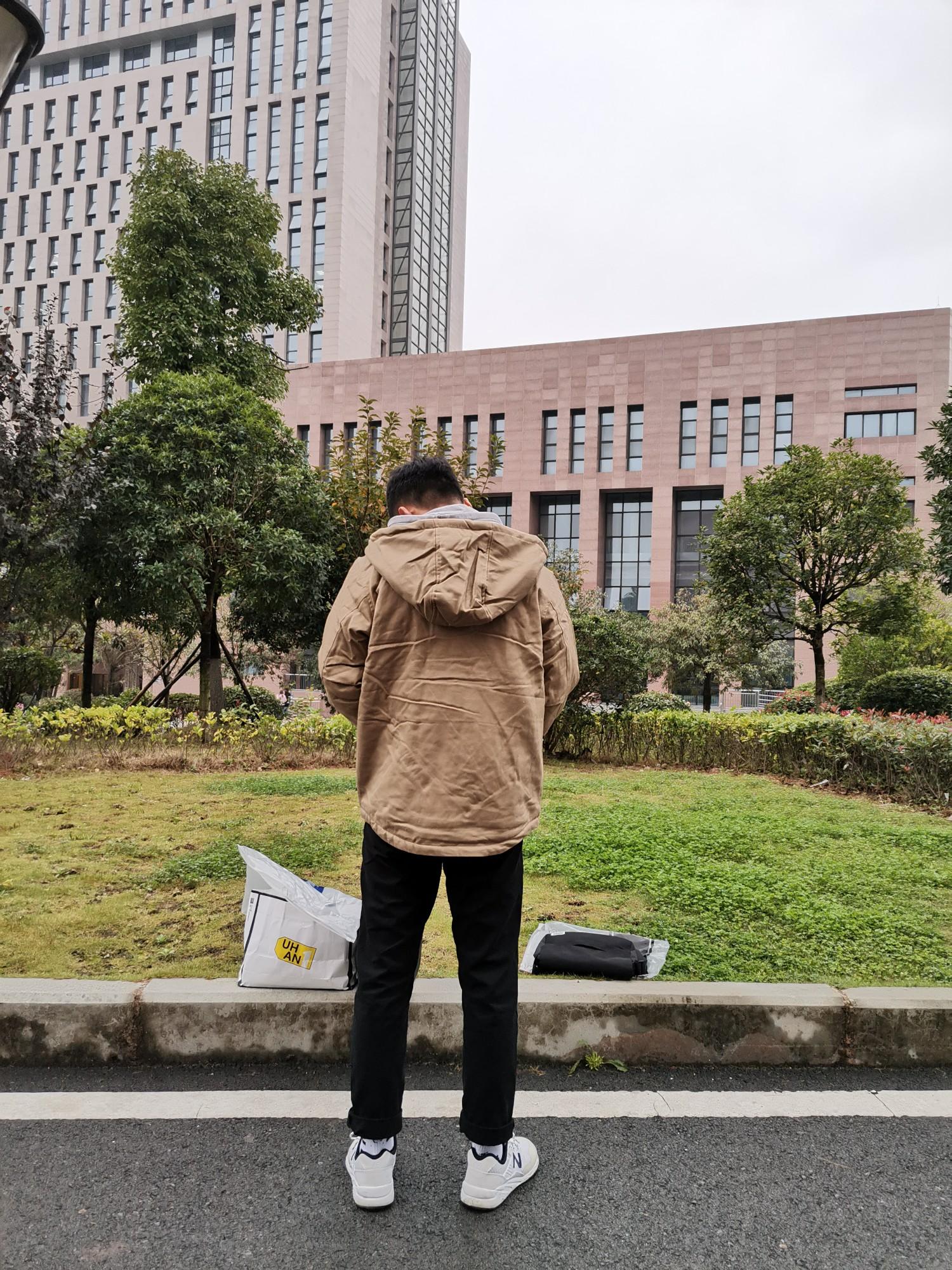 百搭休闲男士外套,穿出不一样的风采。