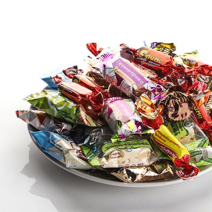 俄罗斯 混装糖 进口阿孔特巧克力花生奶糖牛奶夹心太妃糖散装500g