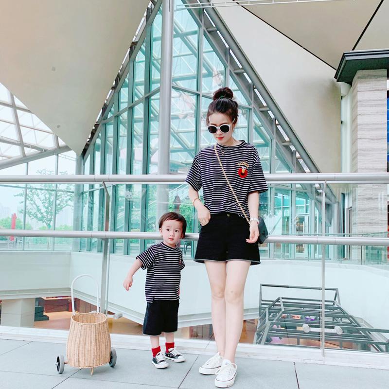 Trang phục mẹ chồng-con 2020 mùa hè mẫu thủy triều gia đình bốn kiểu thời trang ngắn tay áo thun mẹ cotton mỏng kiểu nước ngoài - Trang phục dành cho cha mẹ và con