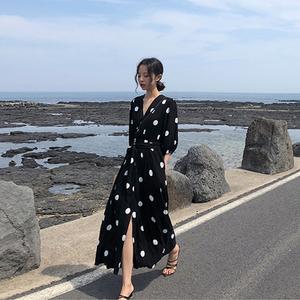 夏季新款超仙波点V领收腰连衣裙
