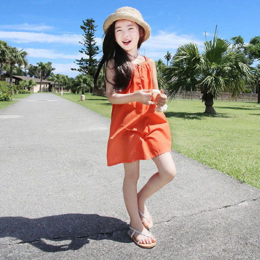 Детское на девочку Платье корейская  версия детские чистый хлопок Большая пляжная юбка в пляжном праздничном приморском платье