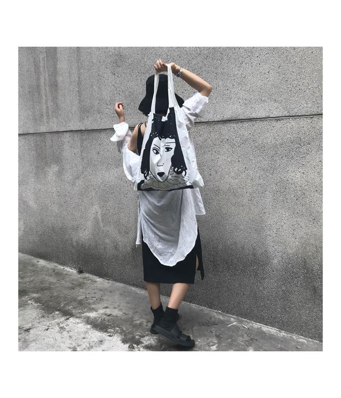 实拍韩ins涂鸦暗黑冷淡少女脸磁扣大包包单肩包