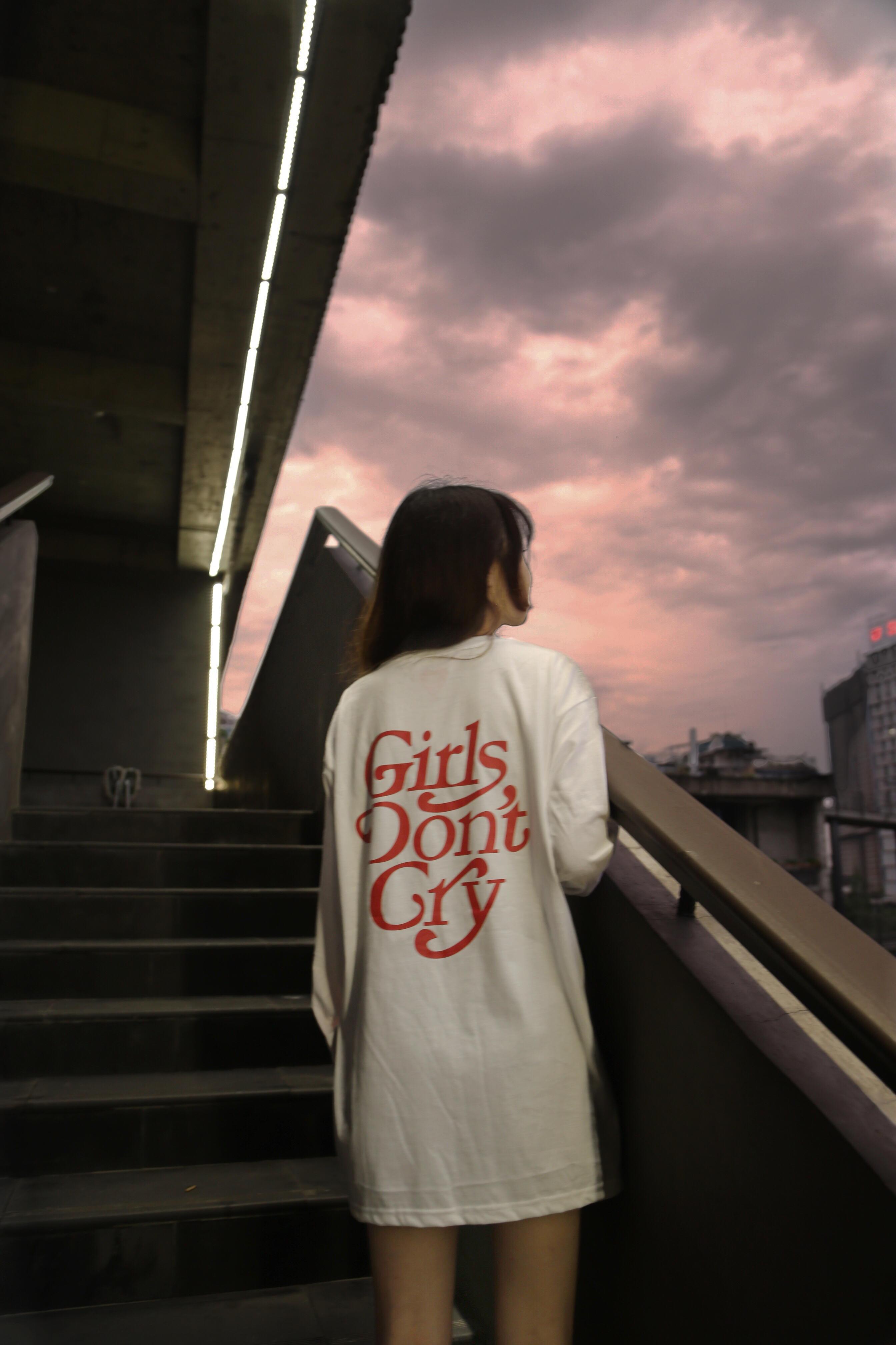 in siêu hot girl don nữ khóc don don cry cry letter in áo dài tay áo thun cotton cổ tròn - Áo phông dài