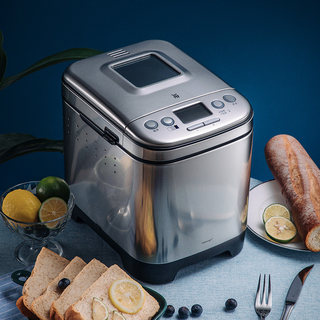 WMF intelligent bread machine is a small automatic multi-function cake and steamed bread machine for dough mixing, kneading and fermentation