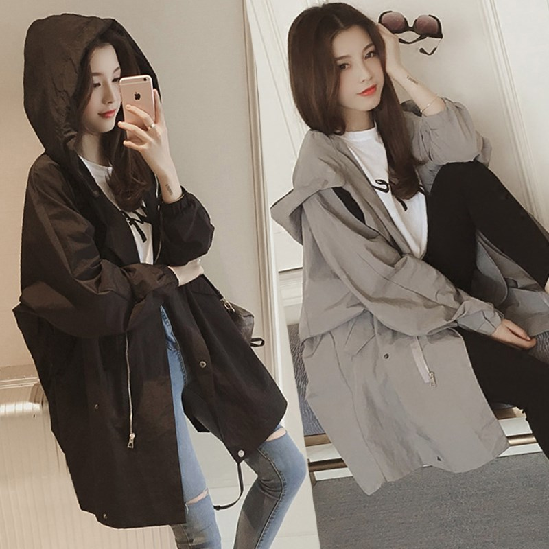 Spring and Autumn new Korean version of the casual loose-fitting hooded windbreaker long long-sleeved student thin coat sunscreen woman