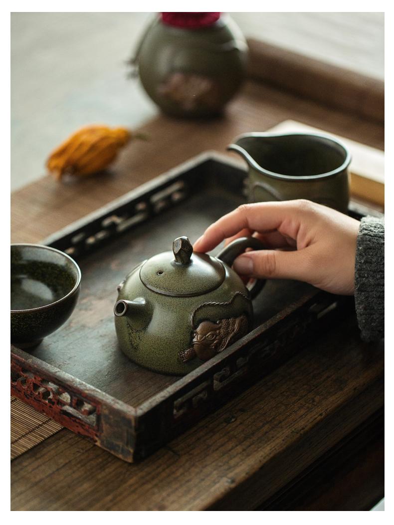 By dipping, glaze ceramic teapot the mythical wild animal Japanese household pot teapot kung fu tea set filter single pot of restoring ancient ways