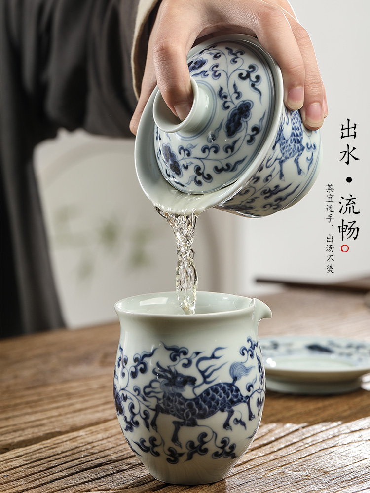 Jingdezhen blue and white only three pure manual tureen tea Chinese tea bowl of hand - made of ceramic kung fu tea set male restoring ancient ways