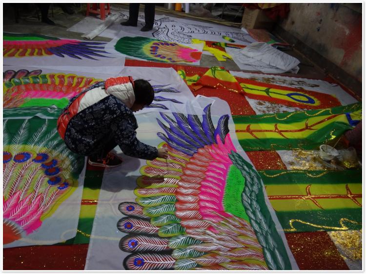 装饰凤凰风筝舞台道具商场中庭装饰特色立体手工轧制